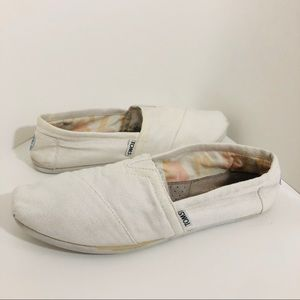 TOMS' White Canvas Slip-On Size 9